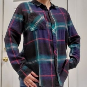 Arizona long sleeve plaid button down shirt